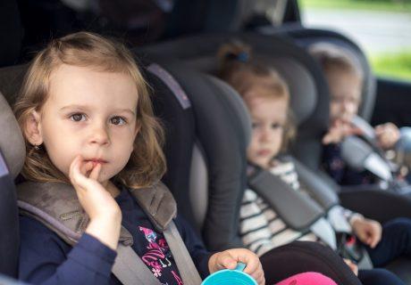 защо е важно децата да се возят в столче